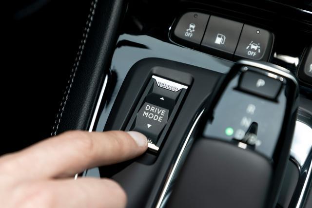 Прикачено изображение: 13-Opel-Grandland-Hybrid4-515801.jpg
