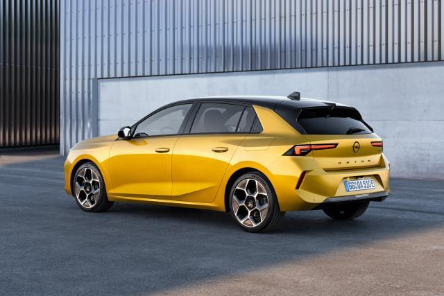 Прикачено изображение: 02-Opel-Astra-516123.jpg