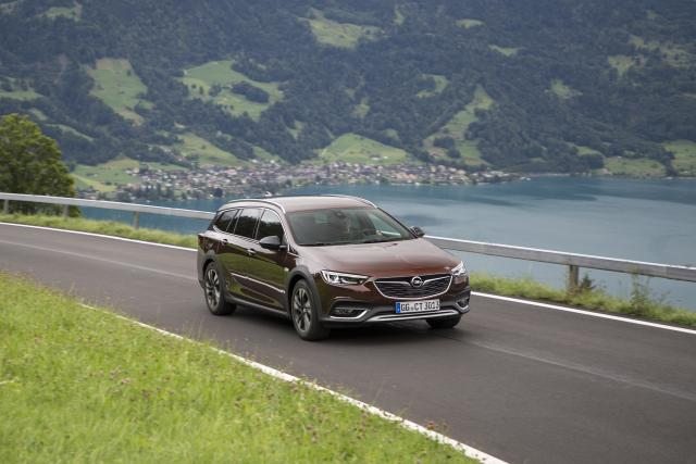 Прикачено изображение: Opel-Insignia-Country-Tourer-500781_1.JPG